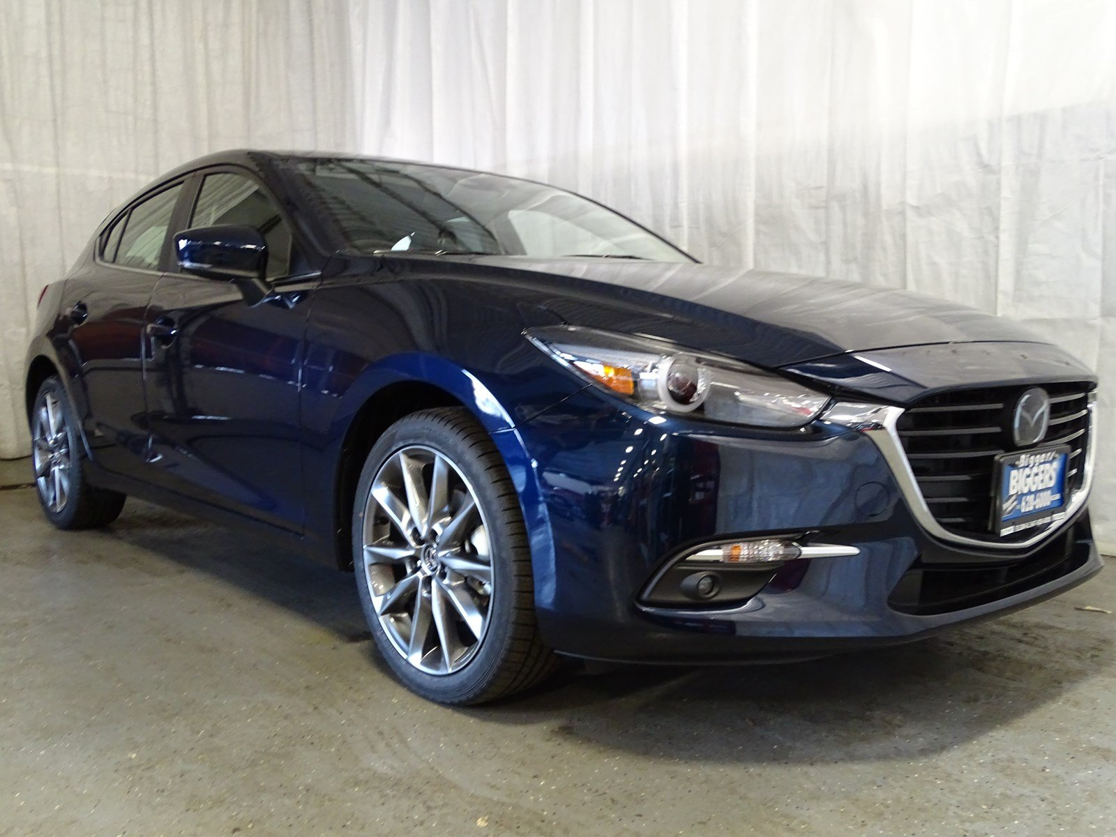 New 2018 Mazda Mazda3 5 Door Grand Touring Hatchback In